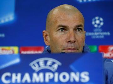 Zidane, en rueda de prensa en Nápoles