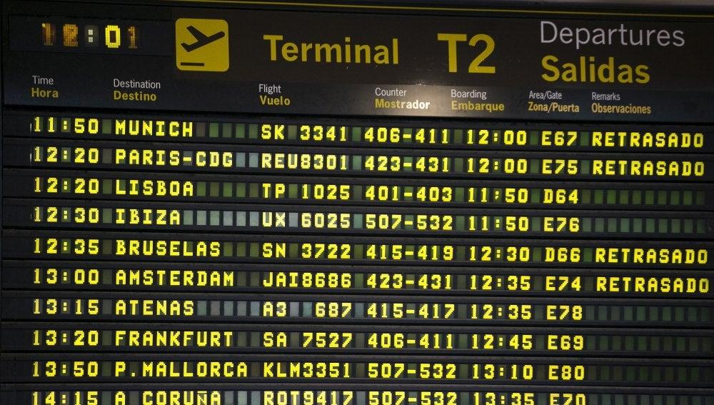 Monitor de información de salidas de la Terminal 2 del Aeropuerto de Barajas