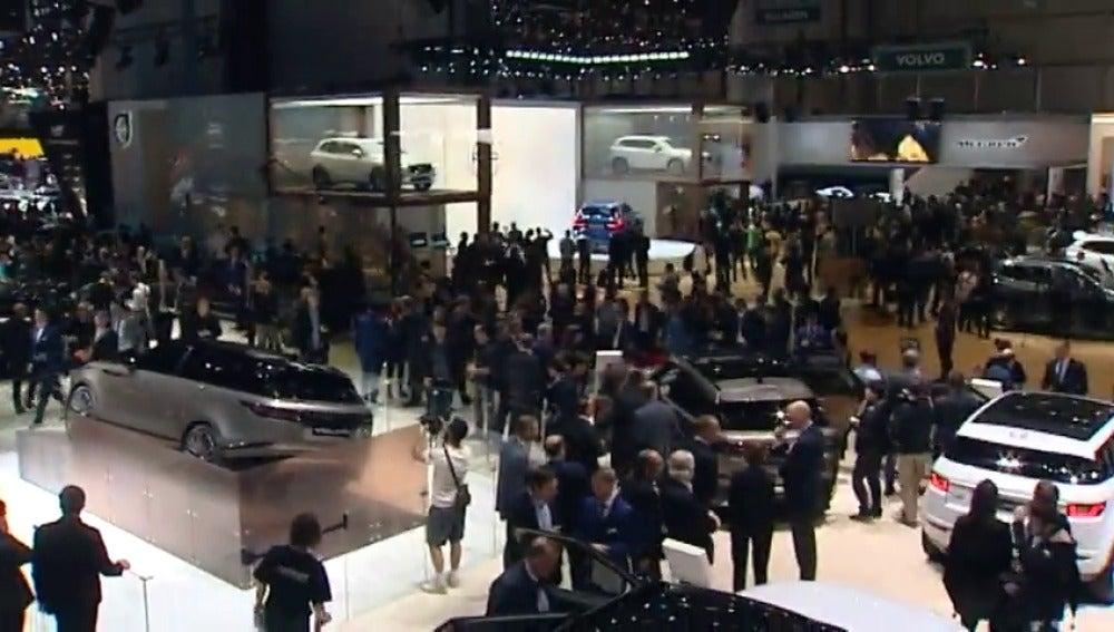 Frame 7.441069 de: Coches conectados, eléctricos y con conducción autónoma en el Salón del Automóvil en Ginebra