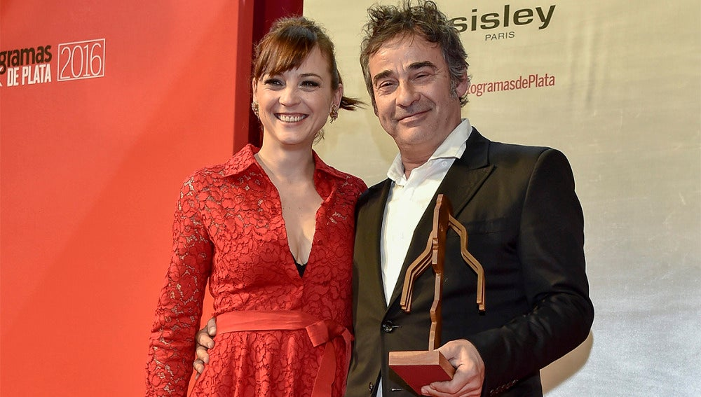 Eduard Fernández junto a Leonor Watling
