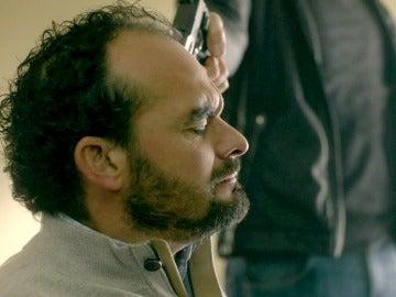 El señor Castro decidirá cuál de los dos niños vive, ¿su hijo o una desconocida?