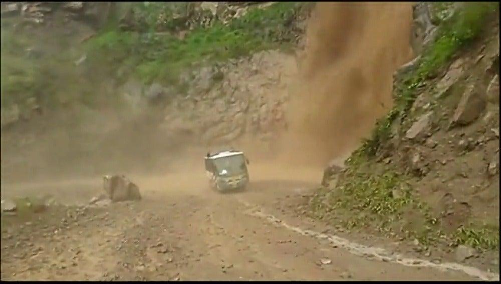 Frame 5.466066 de: 48 muertos y medio millón de desplazados en Perú por las intensas lluvias, inundaciones y derrumbes