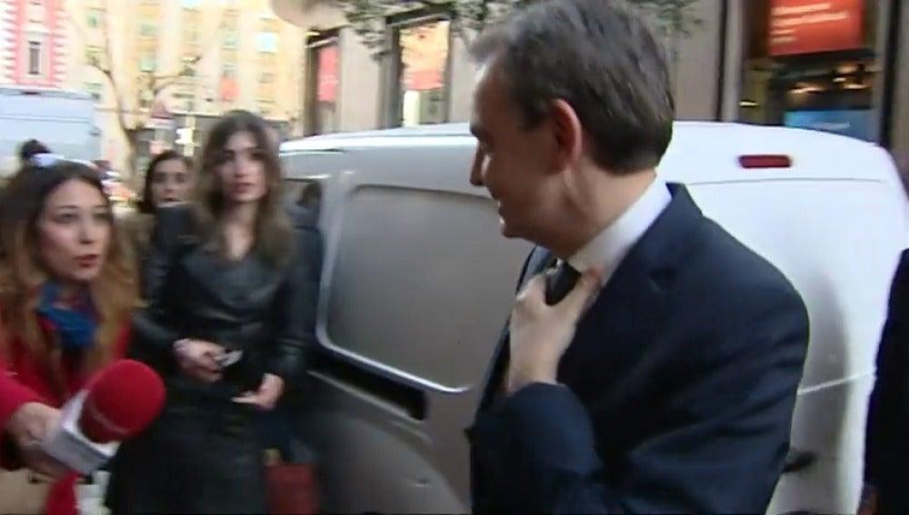 """Frame 2.071695 de: Zapatero defiende a Susana Díaz: """"Es una excelente candidata y tiene unas grandes condiciones para liderar el PSOE"""""""