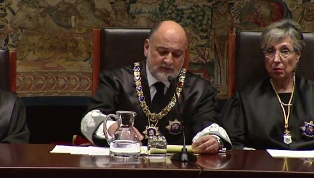Frame 8.852328 de: El presidente del TC cree que la solución está en el diálogo político