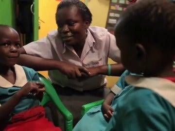 Frame 43.769777 de: Una profesora de Ética y Política en Nairobi se convierte en la promotora de la lucha por la mujer