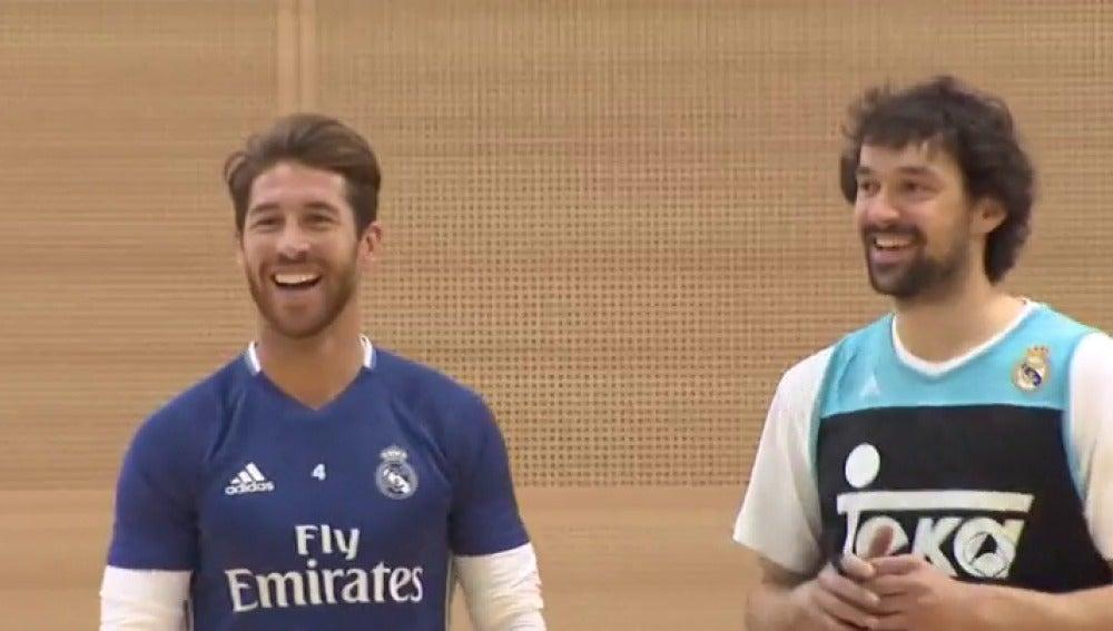 Frame 6.210555 de: Las plantillas de fútbol y baloncesto del Real Madrid realizan un entrenamiento conjunto