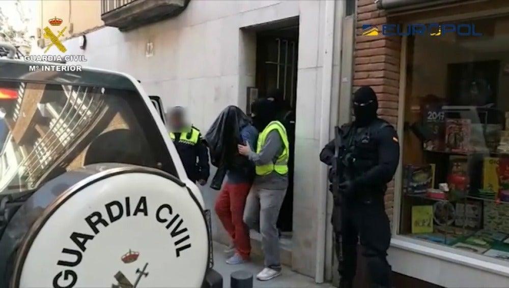 Frame 2.520863 de: Detenido en Girona un marroquí acusado de financiar a Daesh