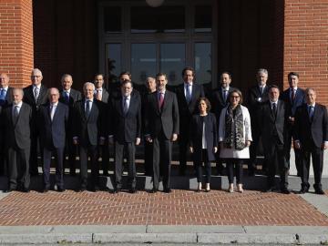 El Rey preside la reunión de la Fundación Carolina