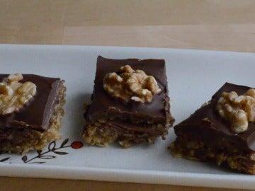 Barra energética de chocolate y frutos secos