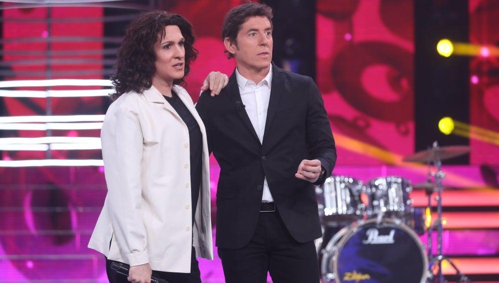 """Àngel Llàcer, a Keunam: """"Eres el concursante ideal para 'Tu cara no me suena todavía'"""""""