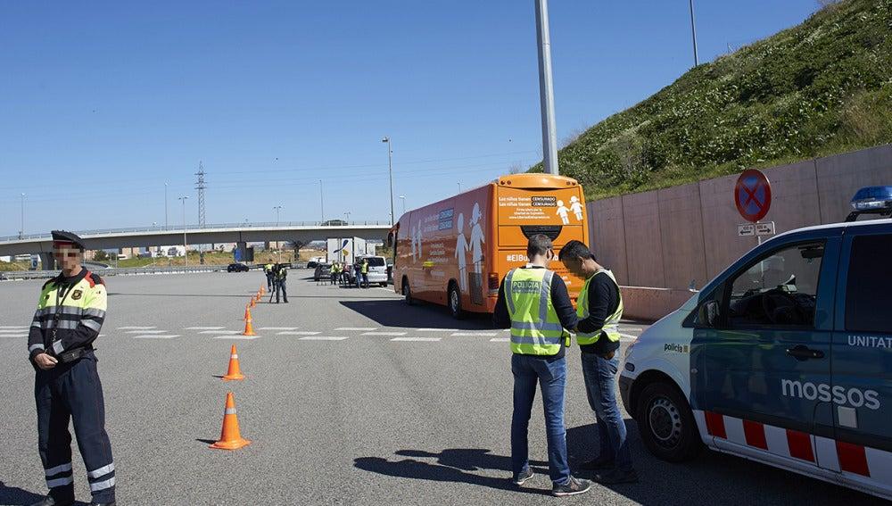El autobús transfóbico de Hazte Oír, inmovilizado en Cataluña