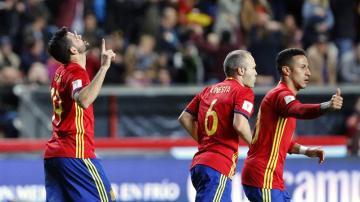 España celebra el gol de Diego Costa