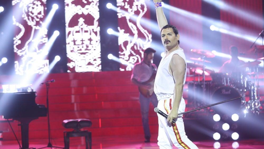 Tolo Sanders realiza una motivadora actuación como Freddie Mercury en 'We are the champions'