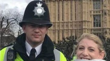 Staci Martin junto Keith Palmer, el policía fallecido en el atentado de Londres