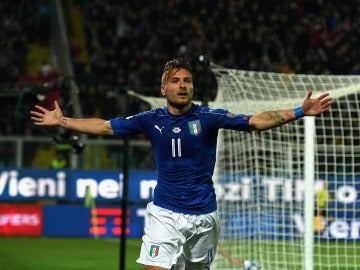Ciro Immobile celebra un gol con Italia