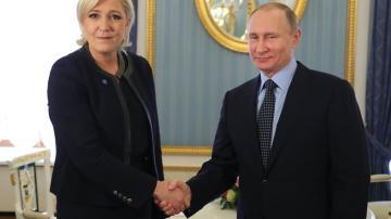 Le Pen se ha reunido con Putin por sorpresa