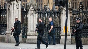 Policía en el lugar del atentado