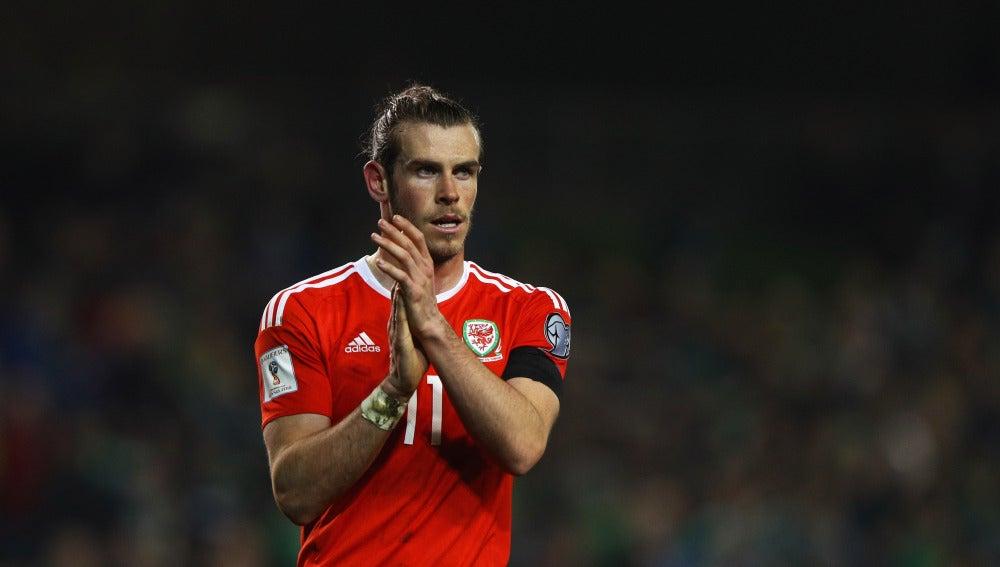 Gareth Bale con Gales