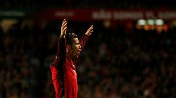 Cristiano celebra un gol con Portugal