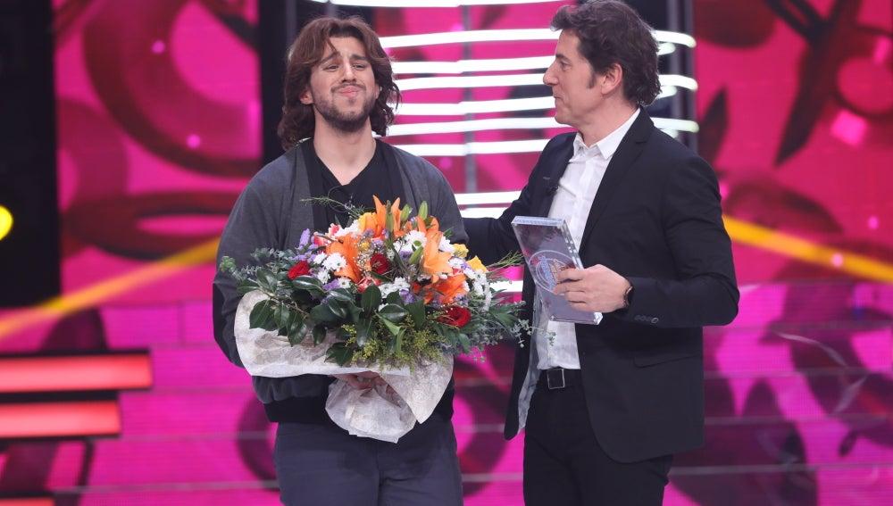 Raúl Ogalla se convierte en el ganador de la tercera gala de 'Tu cara no me suena todavía' interpretando a Manuel Carrasco