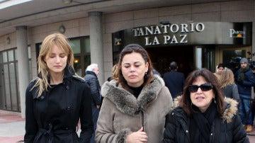 Teresa Bueyes, Alba Carrillo y Loles León tras la muerte de Paloma Gómez Borrero