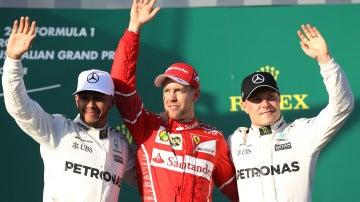 Vettel, junto a Hamilton y Bottas en el podio