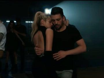 Shakira baila junto Prince Royce