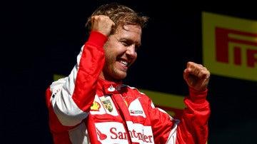 Vettel celebra la victoria