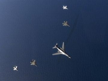 Bombarderos B-1B estadounidenses realizan maniobras en Corea del Sur