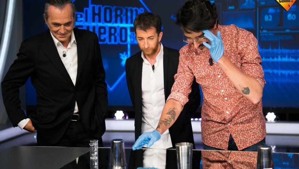 Marron consigue trasladar un vaso con tan sólo mirarlo