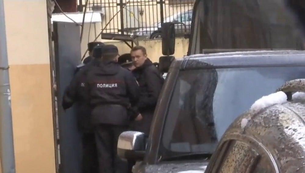 Frame 2.360869 de: El opositor ruso Alexeï Navalny condenado por las protestas callejeras