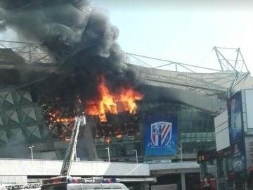 Estadio de Shangai en llamas