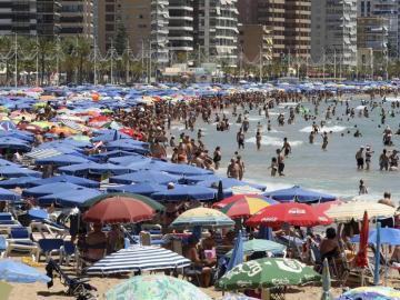 Los españoles viajaron un 3,7% en 2016