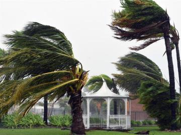 El ciclón 'Debbie' a su paso por Australia