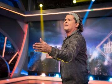 Carlos Vives se viene arriba con su nuevo tema, 'Al filo de tu amor'