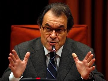 El expresidente de la Generalitat Artur Mas, durante su comparecencia ante la Comisión de Asuntos Institucionales del Parlament