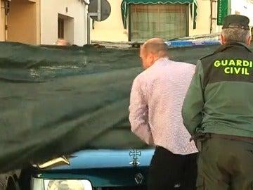 Frame 33.936864 de: Asesinan a una mujer y a sus dos hijos en Campo de Criptana en un posible caso de violencia de género