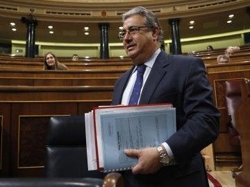 Juan Ignacio Zoido, el ministro del Interior, en el Congreso de los Diputados