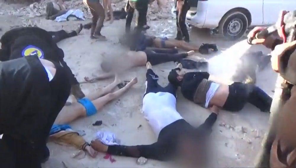 Frame 6.656806 de: Un supuesto ataque químico mata al menos a 58 personas en el norte de Siria
