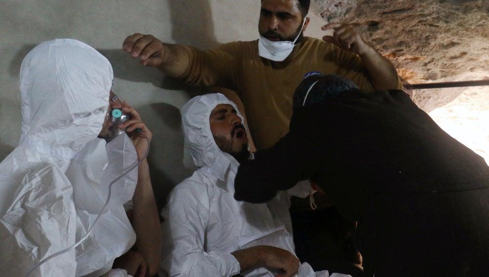 Dos de los afectados por el ataque químico en Siria