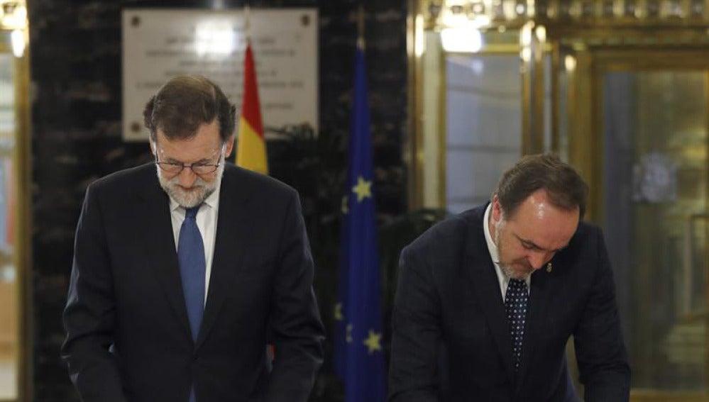 Rajoy y el presidente de UPN, Javier Esparza