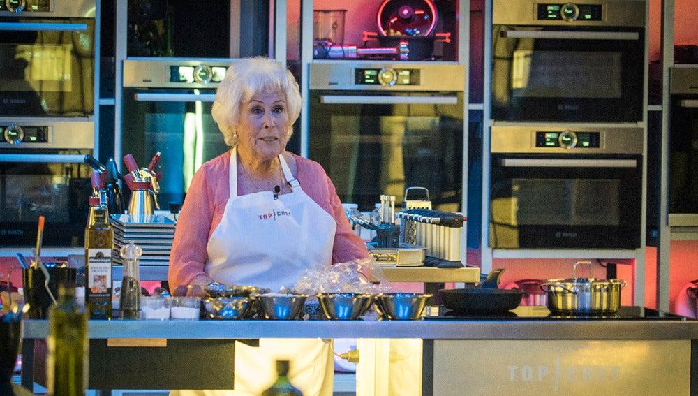 Ana, la 'abuela de España', llega arrasando a las cocinas de 'Top Chef'