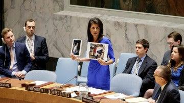 Nkki Haley muestra imágenes de niños afectados por el ataque