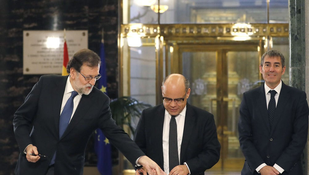 Rajoy sella su acuerdo a los PGE con Coalición Canaria