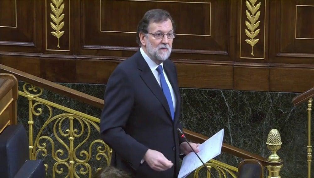 """Frame 57.899383 de: Rajoy reprocha a Rufián que confunda """"sus necesidades con las de todos"""""""