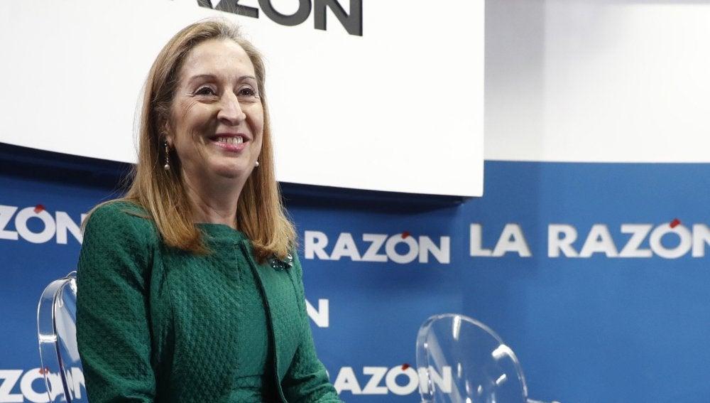 Ana Pastor participa en el foro del diario La Razón