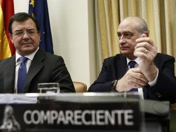 El diputado del Partido Popular, Francisco Molinero Hoyos, y el exministro del Interior, Jorge Fernández Díaz