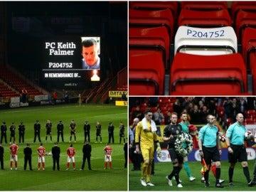 Homenaje a Keith Palmer en el estadio del Charlton