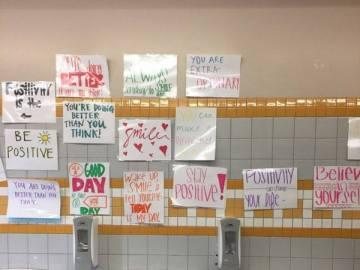 Mensajes positivos en el baño