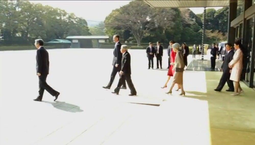 Frame 20.450405 de: La princesa Masako participa en la ceremonia de bienvenida a los Reyes de España en Japón